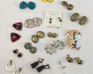 Earrings (20 Pair) https://ctbids.com/#!/description/share/329107