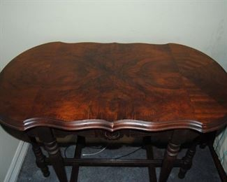 Antique Walnut Side Table. 20W x 35L x 29H. Very Good Condition!