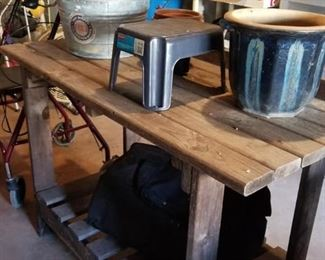 Rolling garden potting bench