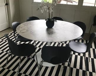 "Eero Saarinen Tulip 54"" Round Arabescato Marble table made in Italy also 8 chairs made in Italy"