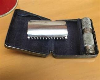 Vintage optimo razor in case