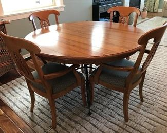 """Ethan Allen 52"""" Dining Table w/Leaf and 4 Chairs"""