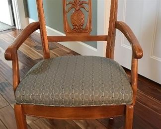 Ethan Allen Pineapple Back Dining Chairs (go with table)