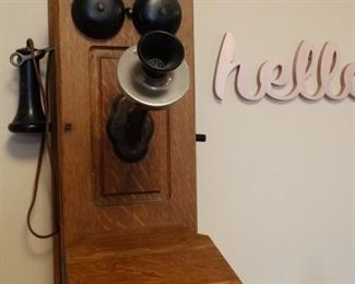 Kellogg wall phone with internal components