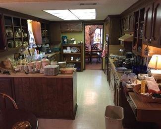Lots of kitchen stuff