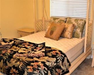 HENREDON INTERESTING BED AND NIGHT STANDS, QUEEN TROPICAL STYLE COMFORTER SET
