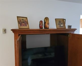 Nesting Oriental collectibles