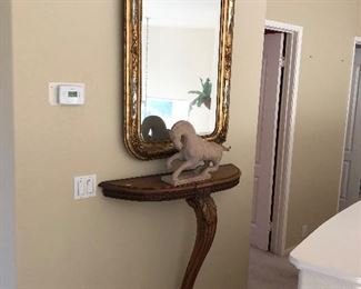 Antique Gilded mirror and 1 legged table