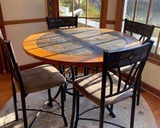 Kitchen Table/Chairs https://ctbids.com/#!/description/share/330633