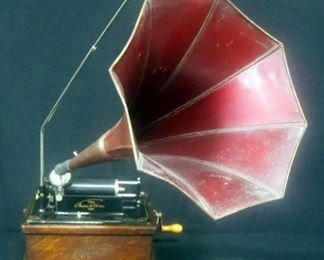 Edison Fireside Phonograph Combination Type, Serial No. 31705