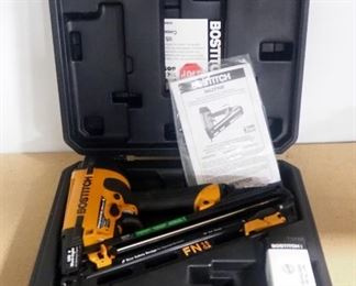 Bostitch Finish Nailer Model N62FNB, With Manual And Nails, In Hard Case