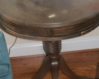 VINTAGE DRUM TABLE.