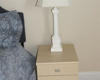 PAIR OF BEDSIDE TABLES AND LAMPS.