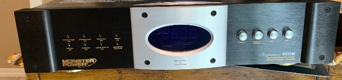 Monster Power HTS 5100 Signature Power Conditioner