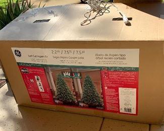 7.5 ft Aspen Fir Christmas Tree