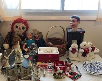 Several dolls from the 60's