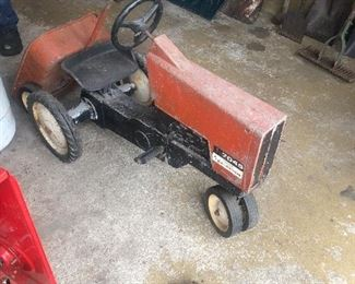 Vintage Allis Chalmers petal tractor and wagon