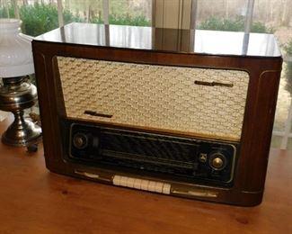 Grundig/Majestic  Radio # 4040--3D.  Still functional.