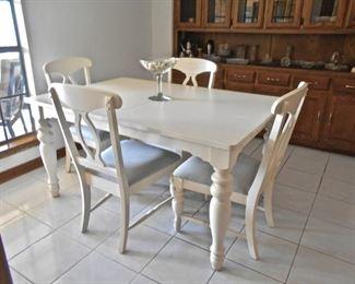 Broyhill White Dinette Set