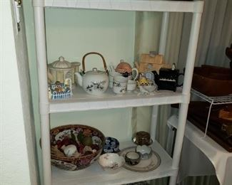 Beads, Teapots and Japanese Decor