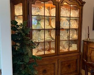 THOMASVILLE TUSCANY LIGHTED CHINA CABINET -  7FT 11' X  74' W X 18 D $1875 - ( PRICE REDUCTION - $1250) OBO