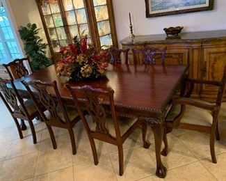 AMAZING SOLID  THOMASVILLE TABLE AND EIGHT CHAIRS -$3200 OBO