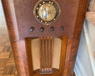 Old fashion Radio...works