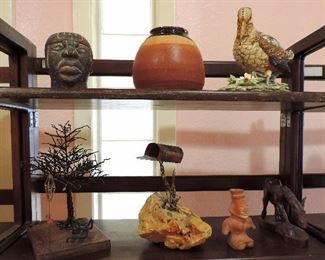 DECOR AND POTTERY FIGURINES