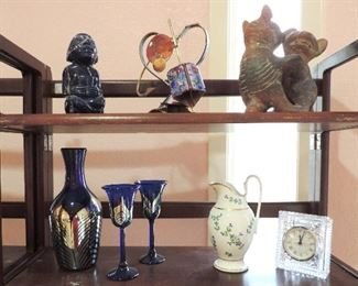 DECOR AND FIGURINES