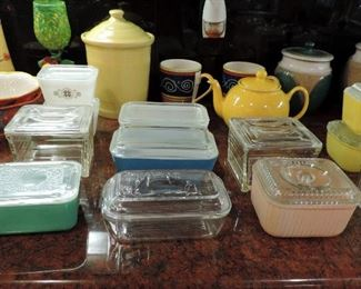 VINTAGE REFRIGERATOR DISHES
