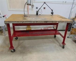 LOT 2 METAL WORKBENCH