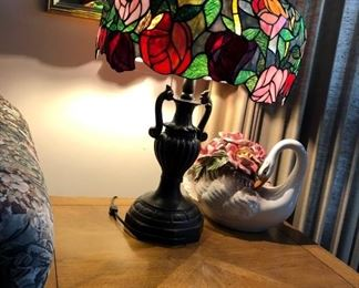 large stain glass roses lamp