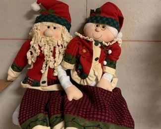 Santa and Mrs. Claus 2 or 3 ft