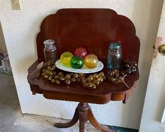 Decor and Table