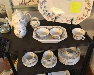 Dish set Laura Ashley