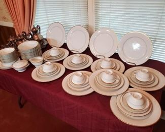 Noitake 12 place dinner china set