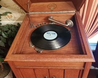 All original 1900s  Victrola , working . Excellent