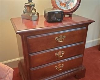 Mahogany bedroom nightstands