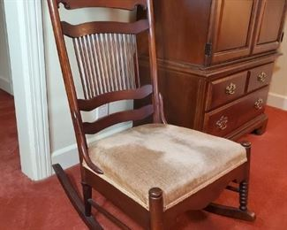 Excellent condition,  antique granny rocker