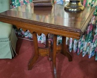 1800s walnut table