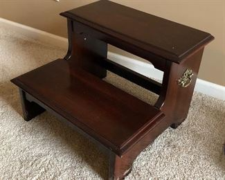 Step Stool w Bedroom Set
