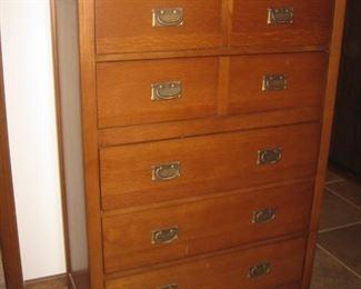 Bassett chest of drawers