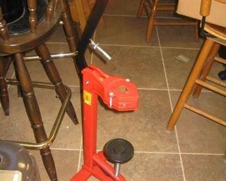 floor bottle corker