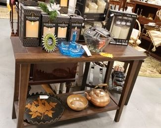 Flicker candles, end table