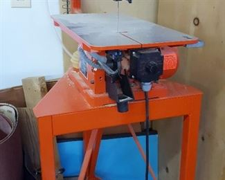 "Multimax 18-V Variable Speed 18"" Scroll Saw"