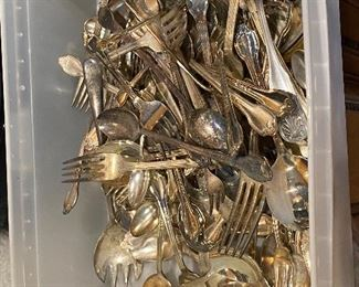 Silver plated 100 plus flatware