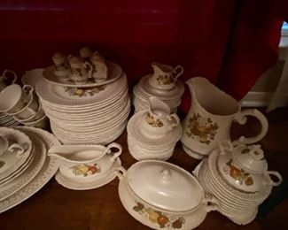 Dishes from the early 1900s in perfect condition