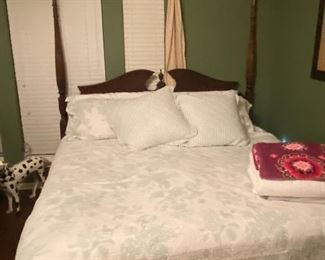 For poster Kincaid bed king-size. Sold with mattress set and entire comforter set