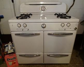 ROPER gas kitchen range ... immaculate condition, obviously lovingly cared for
