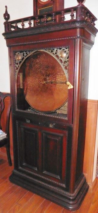 Regina Sublima Upright Music Box in working condition. 27 metal discs. Circa late 19th century. Call me if you are interested in this piece. Wanda 858-204-1182